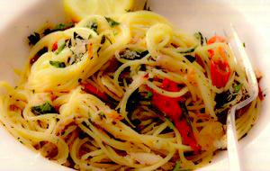 Spaghettini cu crab, lămâie şi ardei iute