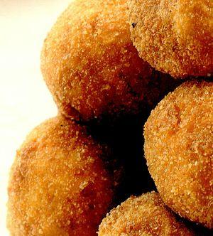 Retete zilei: Crochete de dovleac cu parmezan si cartofi