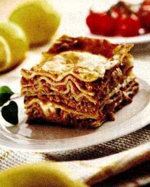Lasagna cu sos de rosii