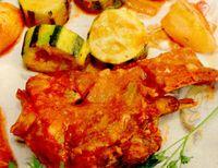 rp_Miel_în_sos_de_ceapa_cu_garnitura_de_dovlecei_si_cartofi.jpg