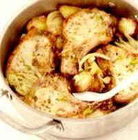 Porc la cuptor cu fenicul, cartofi cu lămâie şi ceapă