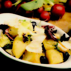 Salate delicioase: Salată de cartofi cu ridichi