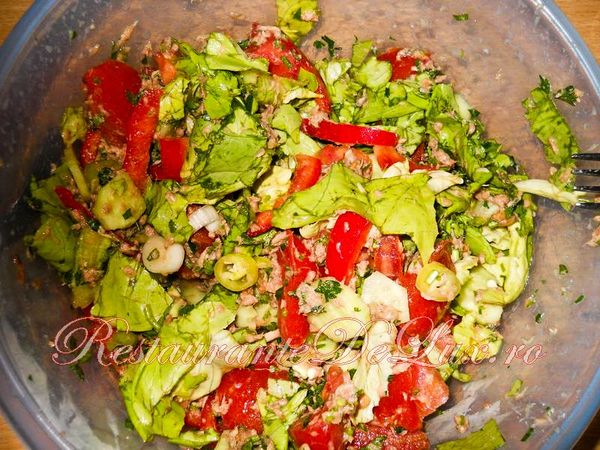 Salata de cruditati cu ton