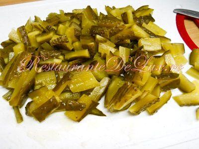 Salata de ciuperci cu castraveti murati