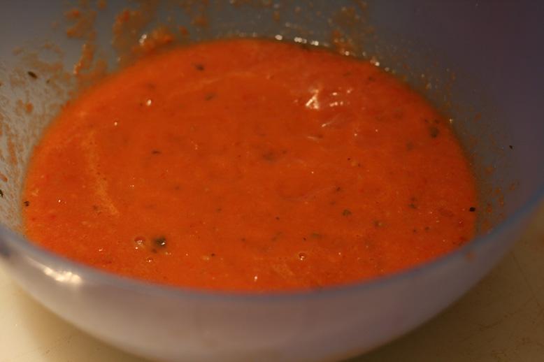 Sos de roşii coapte cu usturoi