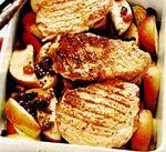 Cotlete de porc cu mere şi stafide