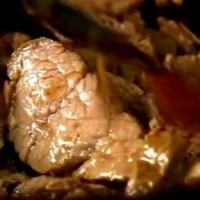 rp_Cum_se_prepara_Porc_dulce_acrisor_in_chifla.jpg