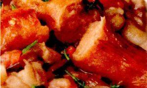 Iahnie de fasole cu carnati picanti