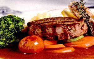 Muşchi de vită cu sos brun