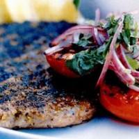 rp_Steak_cu_salata_de_rosii_rumenite.jpg