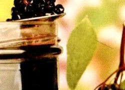 Dulceaţă de fructe uscate cu ghimbir