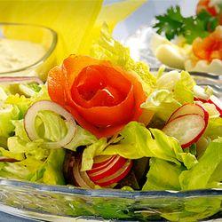 Salată cu ananas