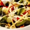 Salata_cu_ardei_gras_ceapa_verde_si_parmezan