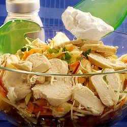 Salată cu mere şi pui