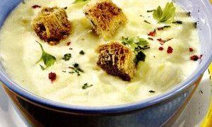 Supa-crema de cartofi cu gulii si crutoane