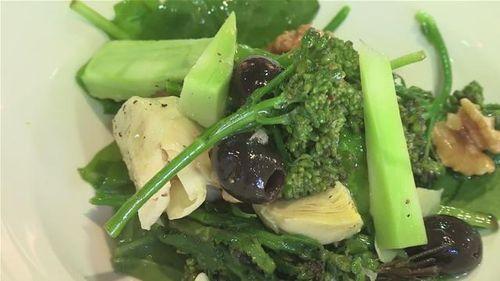 Cum se prepara salata de broccoli