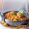 Curry_de_cartofi_şi_lime_şi_sos_de_iaurt_cu_castraveţi