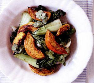 Dovleac cu ardei iute şi amestec de legume asiatice