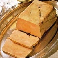 Foie gras pane cu brioşe de ceapă