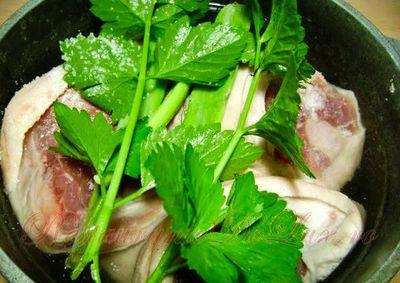 Ciorba de ciocanele de porc