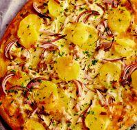 Pizza nemţească cu cartofi, ceapa si kaizer