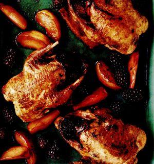 Porumbei umpluţi cu mere şi mure