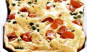 Sufleu de paste cu brânză de vaci şi legume