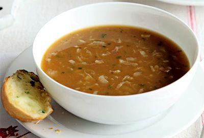 Supă de ceapă şi pâine cu usturoi