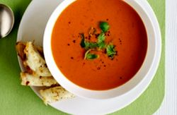 Supa de rosii cu cartofi si morcovi
