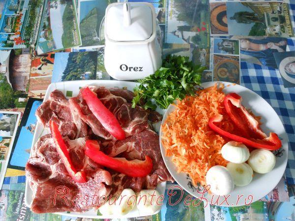 Carne de porc cu orez