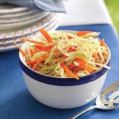 Salata de varza cu ceapa si maioneza