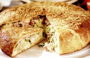 Pâine umplută cu şuncă, brânză şi cartofi