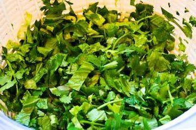 Mancare de salata verde cu iaurt