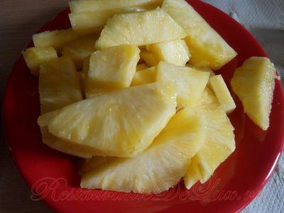 Tartă cu ananas si nuca