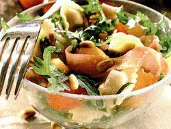Salată cu paste si prosciutto crudo