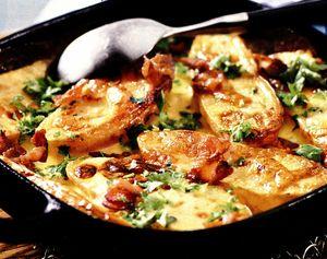 Cartofi la cuptor cu cascaval si bacon