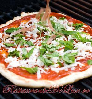 Pizza_la_gratar_3
