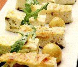 Plăcintă de dovlecei cu carnati