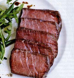 Muschi de vita cu salata