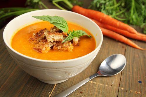Supa crema de morcovi si chimen