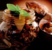 Ciuperci marinate cu ienibahar