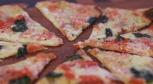 Cum se prepara Pizza Palladium