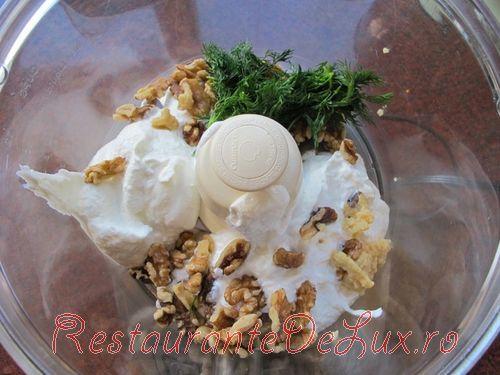 Cum se prepara iaurt grecesc