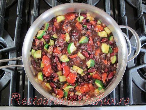 Mancarica de legume cu usturoi