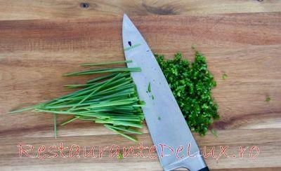 Salata de ceapa verde