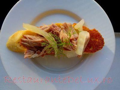Bruschete_cu_carne_de_porc_si_fenicul_murat_11