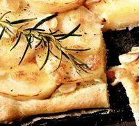rp_Pizza_cu_cartofi_si_parmezan.jpg