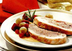Ruladă de porc cu salată