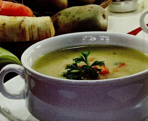 Supa de cartofi cu iaurt si sofran
