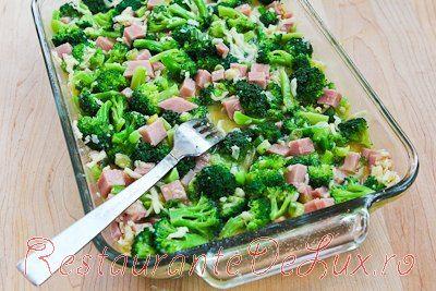 Budinca cu broccoli, sunca, mozzarella si oua